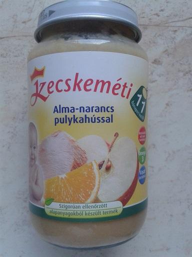 Kecskemeti_alma_narancs_pulykahussal_1