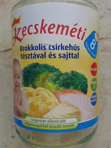Kecskemeti_brokkolis_csirkehus_tesztaval_es_sajttal_1