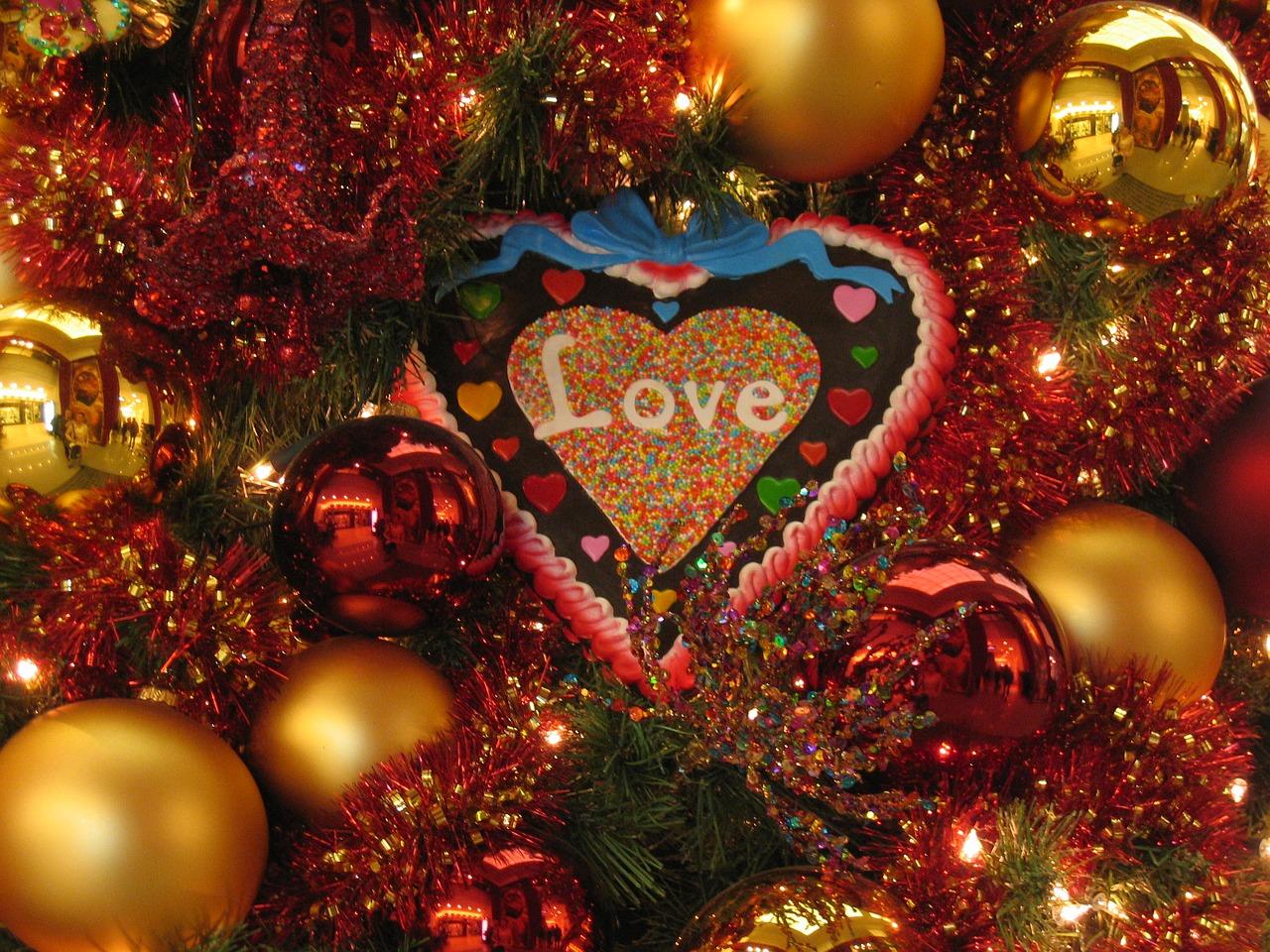 christmas-celebration-1742565_1280